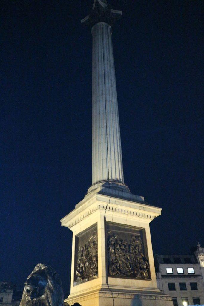 イギリス・ロンドン「トラファルガー広場」 ネルソン記念塔