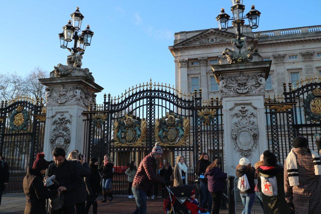 イギリス・ロンドン「バッキンガム宮殿」の正門
